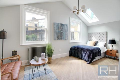 Studio to rent - Tooley Street, London, SE1