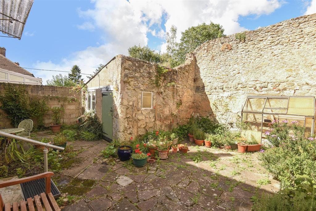Rear Garden & Outbui