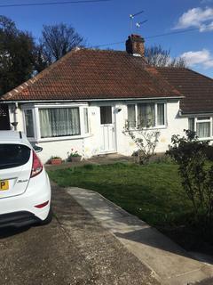 2 bedroom bungalow to rent - Holmhurst Road, Belvedere, Kent, DA17