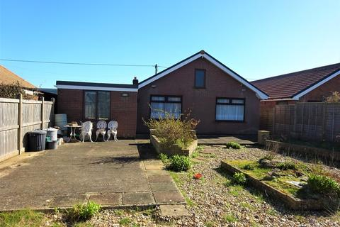3 bedroom detached bungalow for sale - Coast Drive, Lydd On Sea