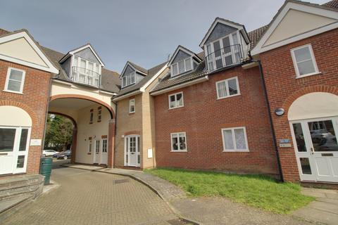 2 bedroom flat to rent - Gipping Place, Stowmarket, Suffolk IP14