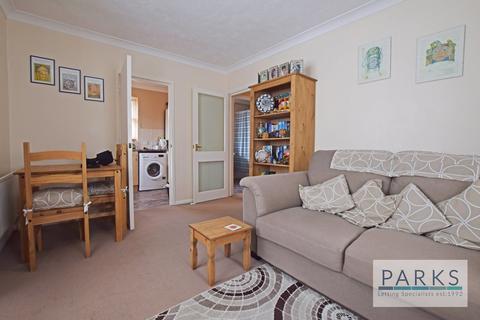 2 bedroom flat to rent - Carlton House, Preston Road, BN1