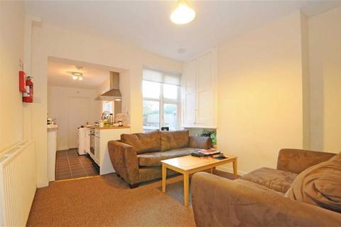 5 bedroom terraced house to rent - Beeston Road