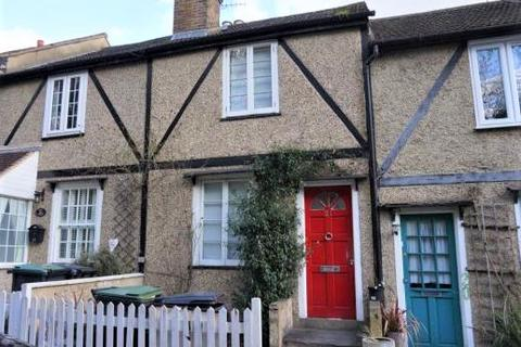 2 bedroom house to rent - Lower Road, Loughton, IG10