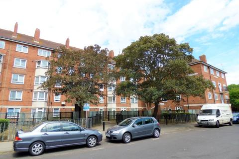 1 bedroom flat to rent - Crasswell Street