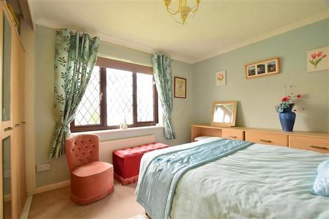 2 bedroom detached bungalow for sale - Star Lane, Cheriton, Folkestone, Kent