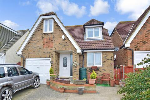 4 bedroom detached house for sale - Sea Approach, Warden Bay, Sheerness, Kent