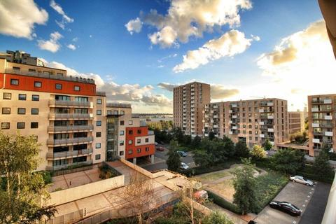 2 bedroom apartment for sale - Wards Wharf Approach, London, E16