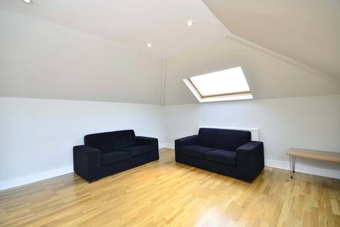 2 bedroom apartment to rent - Skardu Road, Cricklewood, London, NW2
