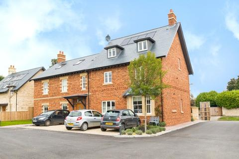 3 bedroom flat for sale - 4 Keith House, Cobbetts Close, Eynsham, Witney, OX29