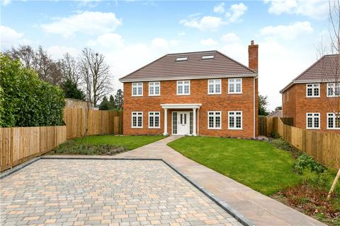 5 bedroom detached house for sale - Hollycombe, Englefield Green, Egham, Surrey, TW20