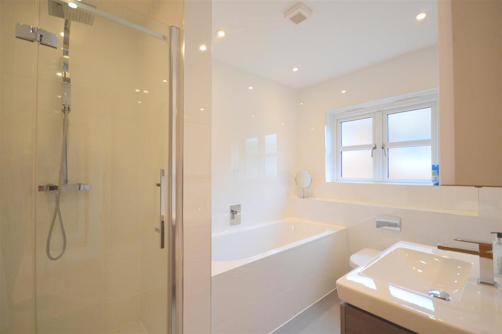 Bedroom Two Ensuite Bath/Shower Room