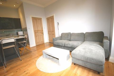 3 bedroom flat to rent - Steels Place, Edinburgh