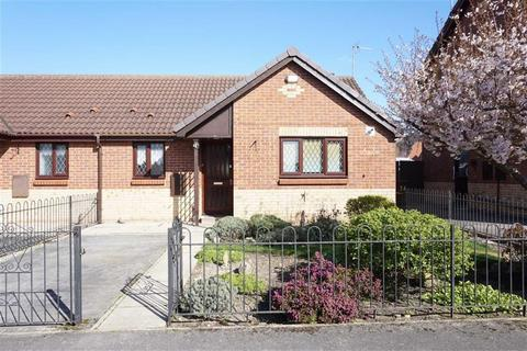 1 bedroom semi-detached bungalow for sale - Impala Way, Hull, HU4