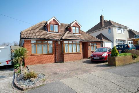 4 bedroom detached bungalow for sale - Seymour Avenue, Whitstable