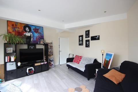 2 bedroom flat to rent - Mare Street, Islington & Hackney