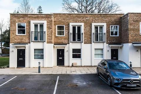 2 bedroom terraced house for sale - Langley Road, Surbiton KT6