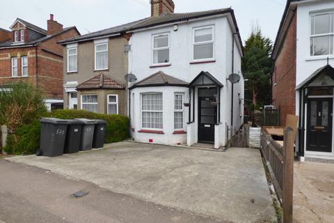 2 bedroom maisonette for sale - Victoria Road, New Barnet, Herts, EN4