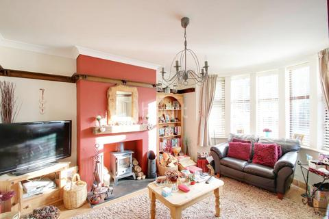 5 bedroom semi-detached house for sale - Westbury Gardens