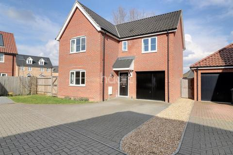 4 bedroom detached house for sale - Dairy Drive, Beck Row, IP28 8YN
