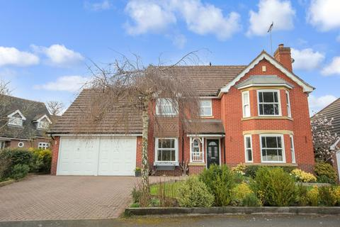 4 bedroom detached house for sale - Chattock Avenue, Solihull
