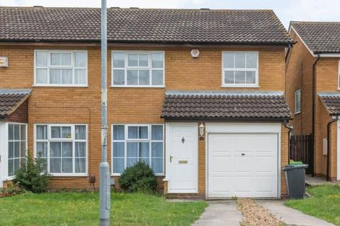 3 bedroom house to rent - Hamble Road, Bedford