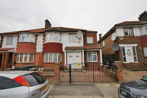 6 bedroom semi-detached house to rent - Foster Road, London