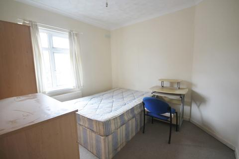 3 bedroom semi-detached house to rent - Westbury Road, Clarendon Park, Leicester LE2