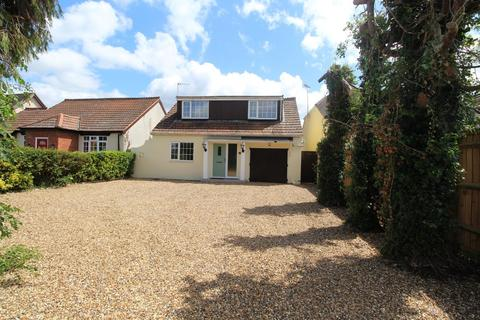 5 bedroom detached bungalow to rent - Firs Road, Tilehurst, Reading