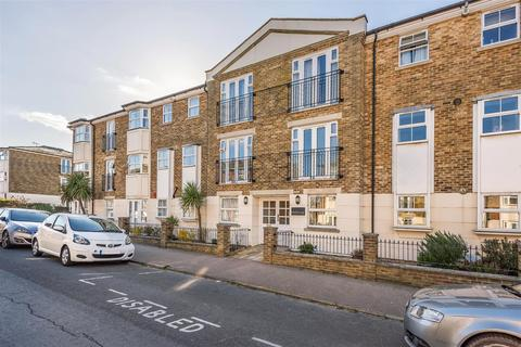 2 bedroom flat for sale - The Causeway, Seaford