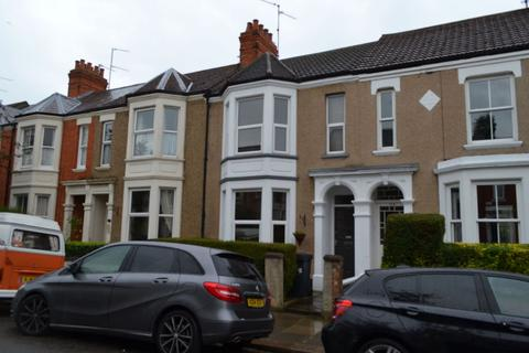 3 bedroom terraced house to rent - Clarence Avenue, Queens Park, Northampton NN2 6PA
