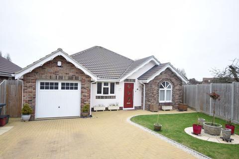 3 bedroom detached bungalow for sale - Park Mews, Clacton-on-Sea