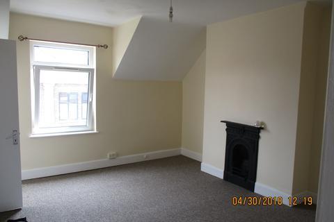 Studio to rent - Watnall Road, Hucknall, Nottingham NG15