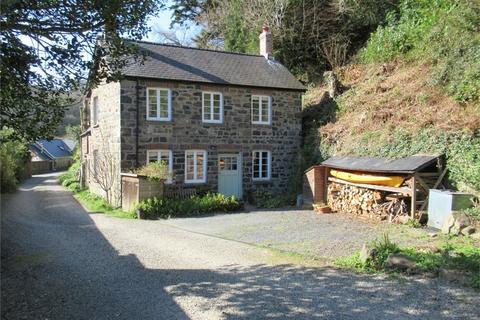 3 bedroom detached house for sale - Cwm Cwsgi, Glyn-Y-Mel Road, Lower Town, Fishguard, Pembrokeshire
