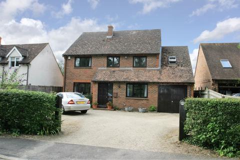 4 bedroom detached house to rent - Oakley