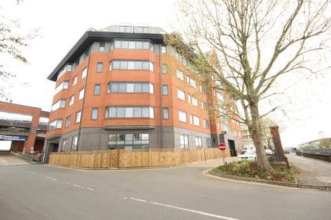 1 bedroom apartment to rent - Verona Apartments, Wellington Street, Slough