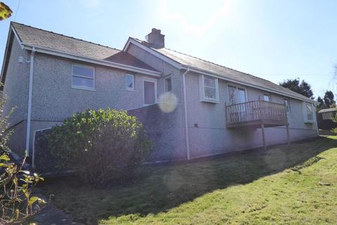 4 bedroom detached house for sale - Tregarth