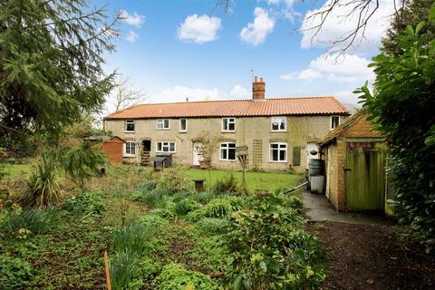 3 bedroom cottage for sale - Millstone Cottage, 4 Mill Lane, Heighington