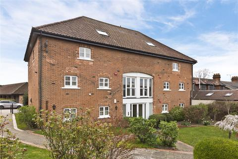 2 bedroom flat for sale - The Granary, Barwell Court Farm, Barwell Lane, Chessington, KT9