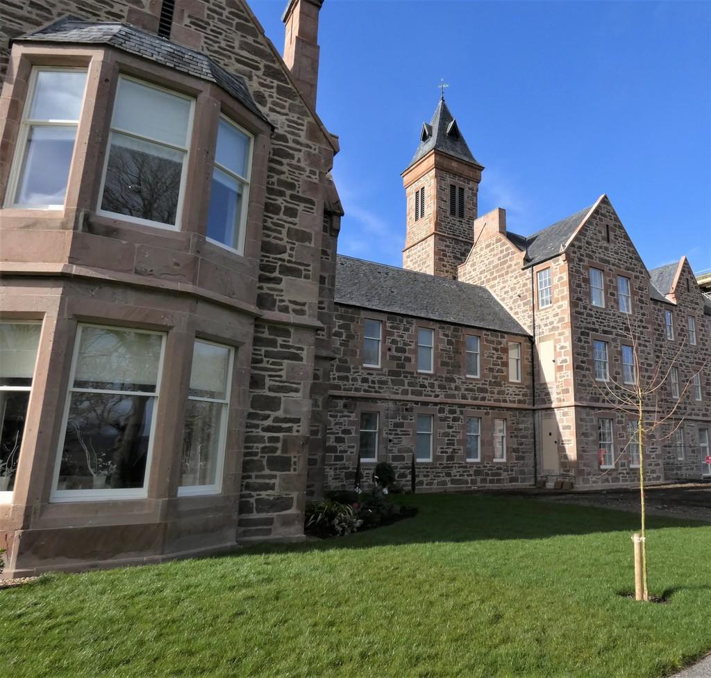 Great Glen Place, Inverness 2 Bed Apartment For Sale