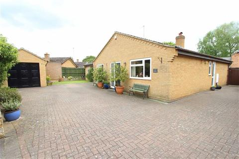 4 bedroom detached bungalow for sale - Churchill Road, WELTON
