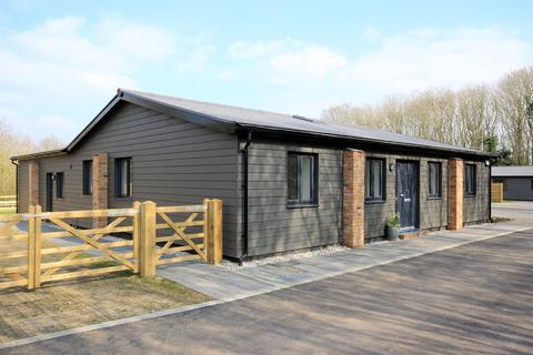4 bedroom barn conversion for sale - Silsoe Road, Flitton, MK45