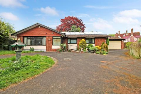 3 bedroom detached bungalow for sale - Manor Road, Whitchurch On Thames, Oxfordshire