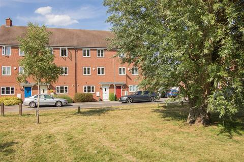 4 bedroom townhouse for sale - Foskett Way, Aylesbury