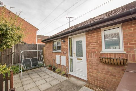 1 bedroom terraced bungalow for sale - Dickens Way, Aylesbury