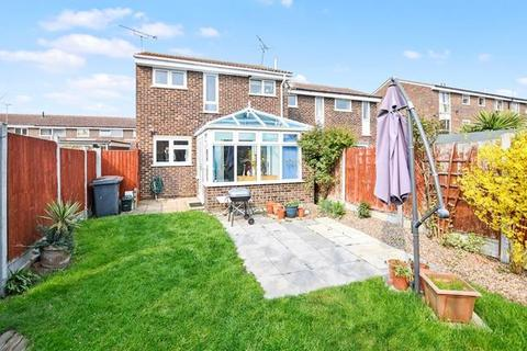 3 bedroom semi-detached house for sale - Candytuft Road, Chelmsford, Essex