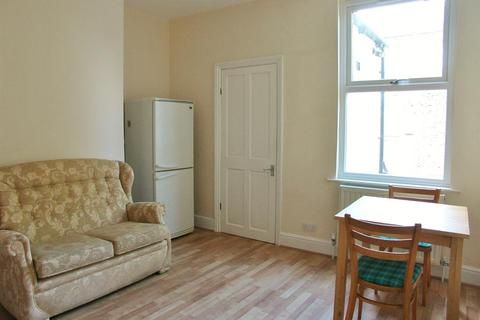 4 bedroom terraced house to rent - Hoole Street, Sheffield, S6 2WR