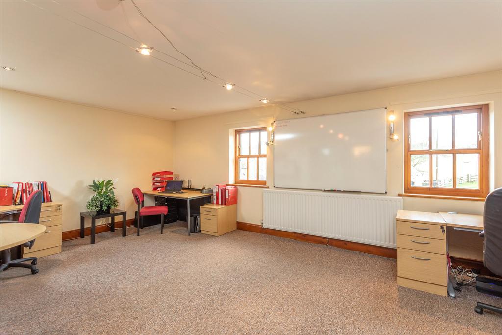 Bedroom/Office