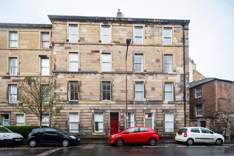 2 bedroom flat to rent - Lutton Place, Newington, Edinburgh, EH8