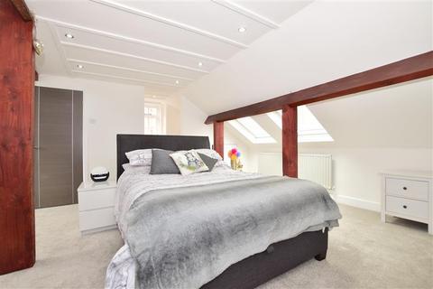 3 bedroom semi-detached house for sale - Maidstone Road, Wrotham Heath, Kent